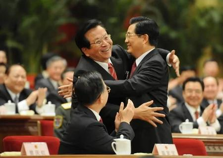 """维基解密:曾庆""""逼宫""""胡锦涛夺主席头衔 胡以毒攻毒化解危机"""