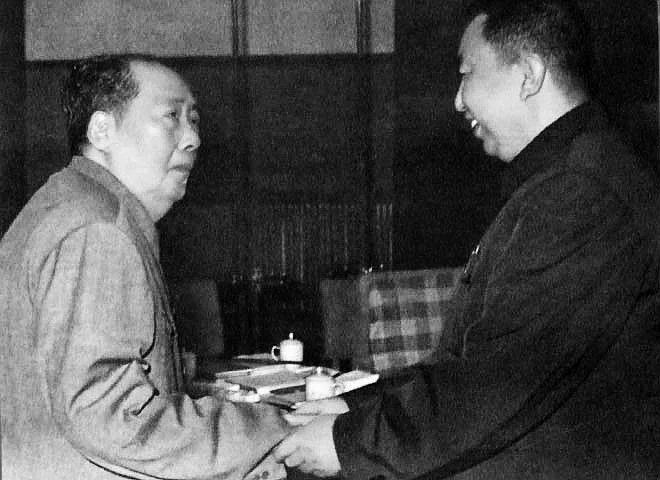 """各方材料都造假?华国锋否认听过""""毛泽东临终总结"""""""