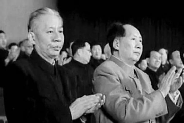 七千人大会:刘少奇为何公开叫板毛泽东?
