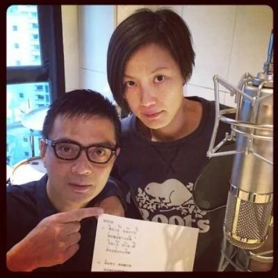 藝人何韻詩和黃耀明等人也製作了歌曲《撐起雨傘》,於集會中演唱。(圖擷取自HOCC臉書)