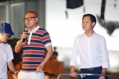 律師任建峰(左)表示,人大踐踏基本法,是法治的侮辱。(圖擷取自香港獨立媒體網)