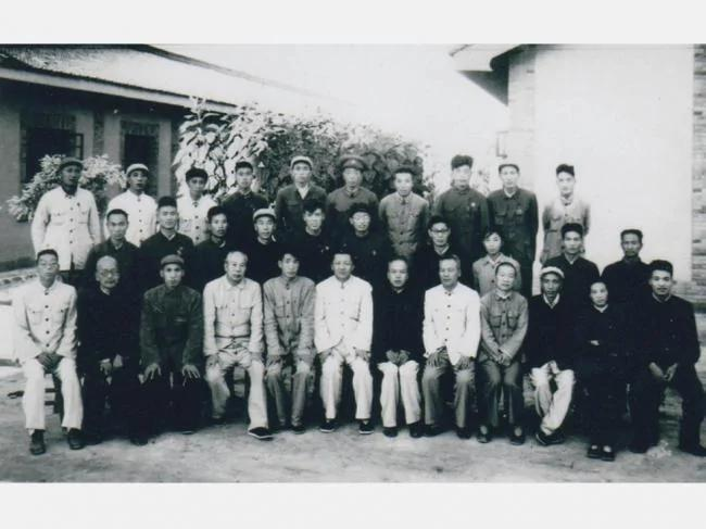 震撼内幕 打倒习仲勋:刘少奇惨死前和毛最后的合作