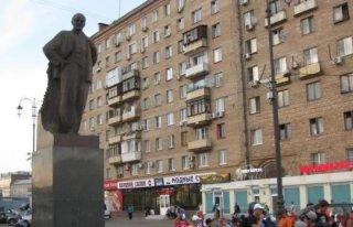乌克兰越来越多的列宁像被推倒 图