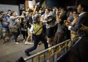 害怕网络威力 香港警察开始网上抓人 图