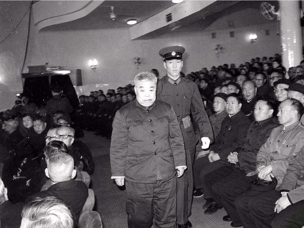 吴法宪回忆录中的高层政治斗争真相