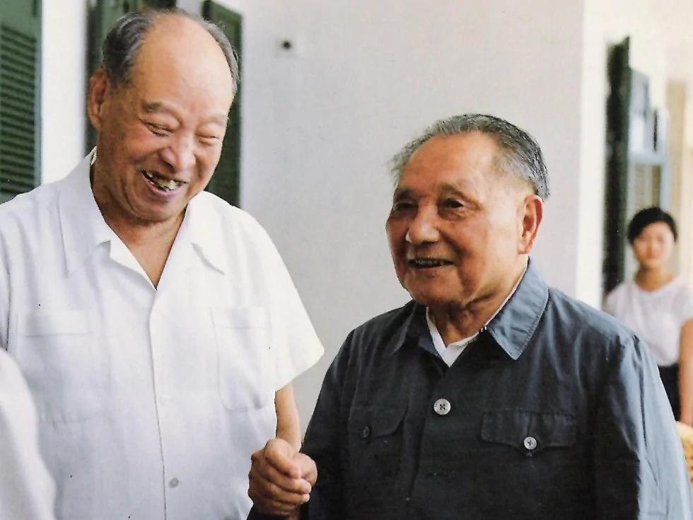"""反右运动中的邓小平与彭真:""""阳谋""""的真正帮凶"""