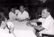 胡耀邦下台後 橋牌桌上如何面對鄧小平 圖