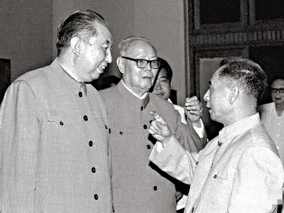 秘闻:胡耀邦背后称华国锋为大草包