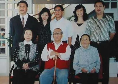 红二代传统:谁老子官大谁牛 图