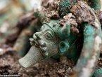 法国发现2500年前凯尔特人王子豪华墓地(组图)