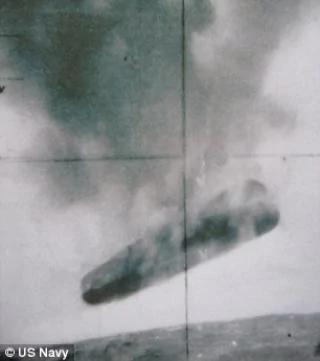 美军旧照:拍摄到外星飞船搜寻石油?组图