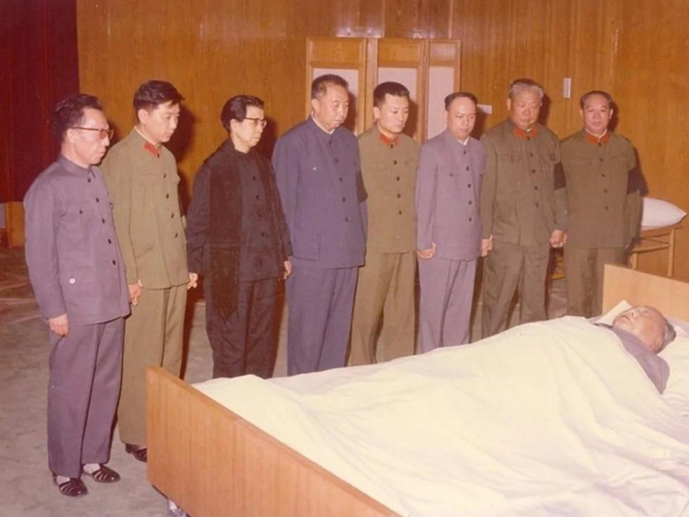 華國鋒僅係過渡人物 毛澤東內定張春橋接班(圖)