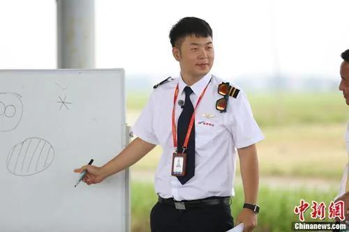 杜海涛减肥20斤变型男谈瘦身秘籍:坚持跑步