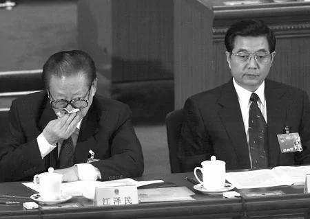 悼念万国权 胡锦涛再公开露面 江泽民继续缺席