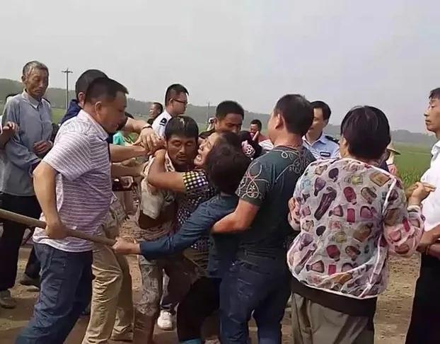 强征农地起电站 两省农民站起来 - ☀阿波罗新闻网