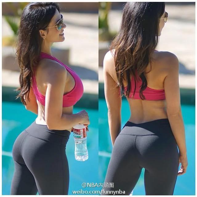 美女健身教練性感身材前凸後翹秀曲線