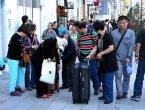 """英媒:中国游客不雅举止令日本人""""发疯"""" 组图"""