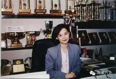 她是香港命最硬的女人,陷捉姦醜聞情夫墜樓 (組圖)