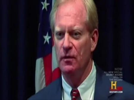 時任亞里桑那州州長費弗.希明頓在卸任後披露「鳳凰城光團」事件是真正的UFO。(Youtube視頻截圖)