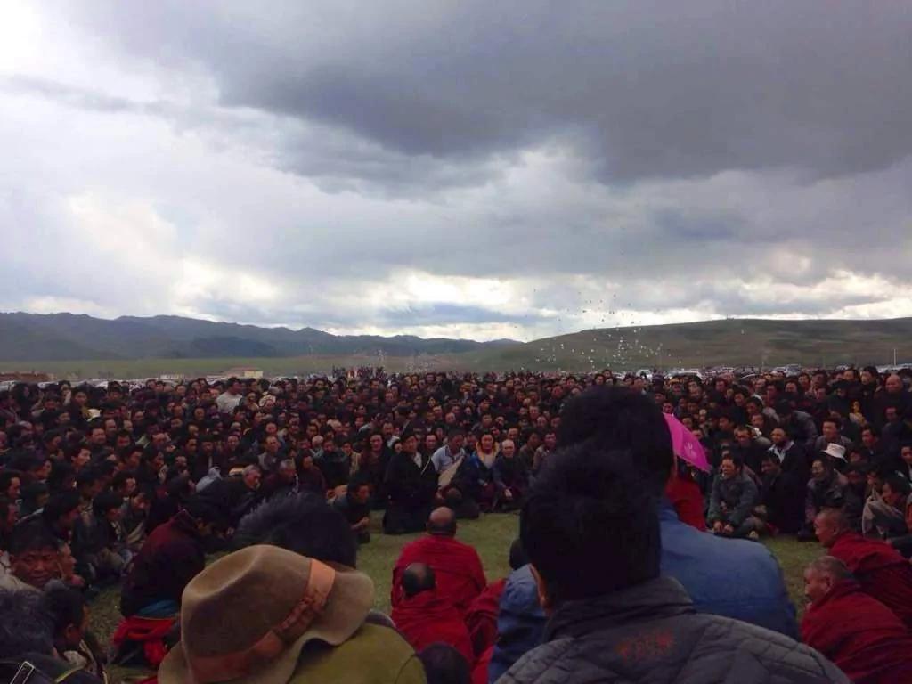 西藏夏河连4日抗议圣山采矿 中共动武镇压伤多人 图