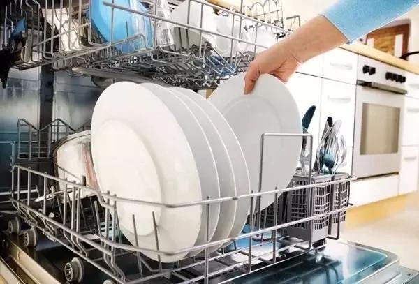 洗碗居然還有技巧,洗得乾淨還環保!