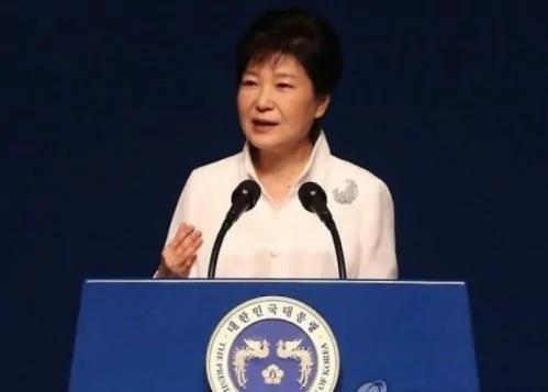 韩总统:精英出逃显示朝鲜体制动摇 (图)