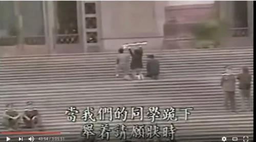 庄路:26年了,还在跪着苦谏  (组图)