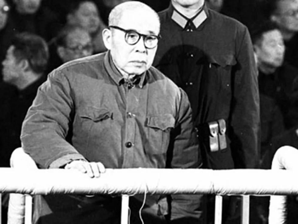 陈伯达晚年评价毛泽东:他老了思想不正常