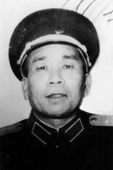 中共制造英雄过世 邓小平亲口证实欺世盗名 组图