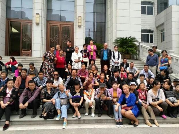 """武汉7名在京自焚访民被控""""寻滋案""""开庭 众人到场声援 组图"""