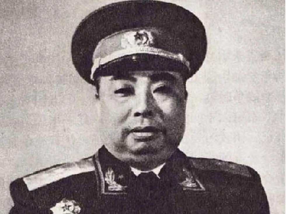 吴法宪:毛泽东两亲密舞伴在空军显赫一时 图