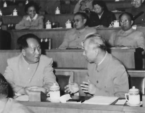 """鲜为人知的刘少奇""""反党""""万言书"""