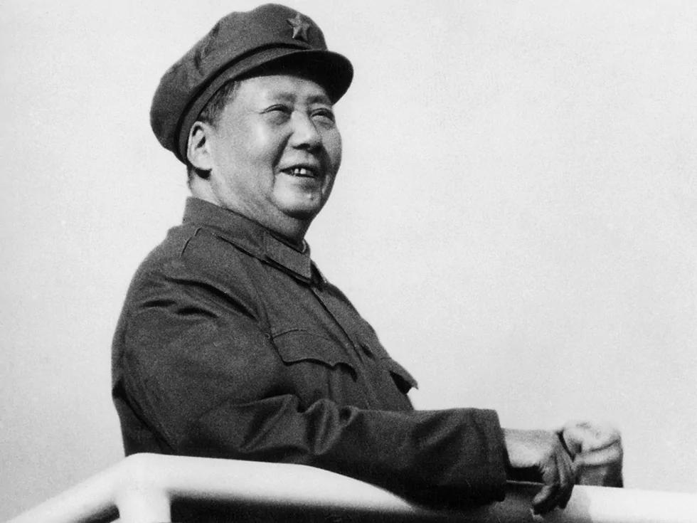 毛泽东晚年笑谈生死:死后喂鱼赔罪