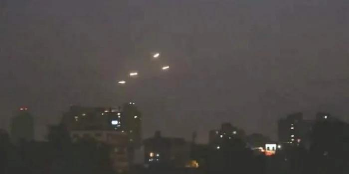 土耳其遭多架UFO侵袭! 上千居民拍下影片网路疯传