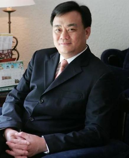 """菲总统下令逮捕""""亚洲新赌王"""" 因其破坏菲当地经济"""