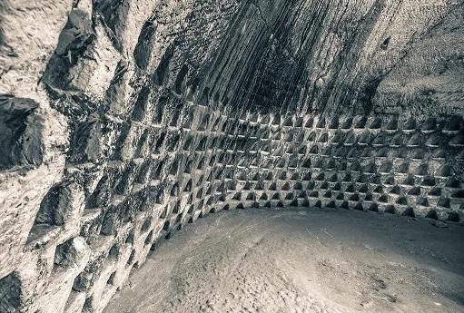 改写历史:百万年前巨大人造地底建筑体?