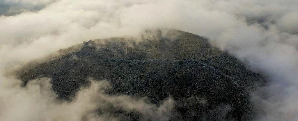 外媒:考古学家在希腊发现巨大的古老地下之都