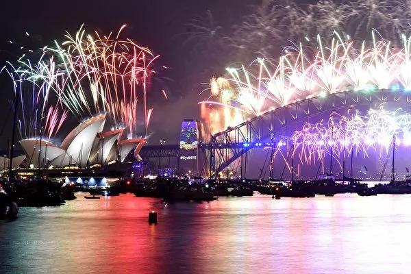 全球跨年 台北香港璀灿烟花迎新年