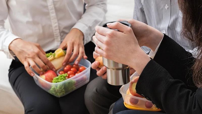 不想被同事讨厌 你该知道的个职场饮食地雷(图)