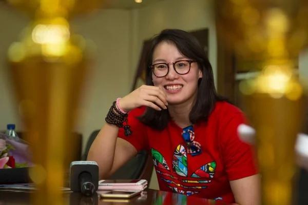 傅园慧微博回顾一年艰辛 看哭一众网友