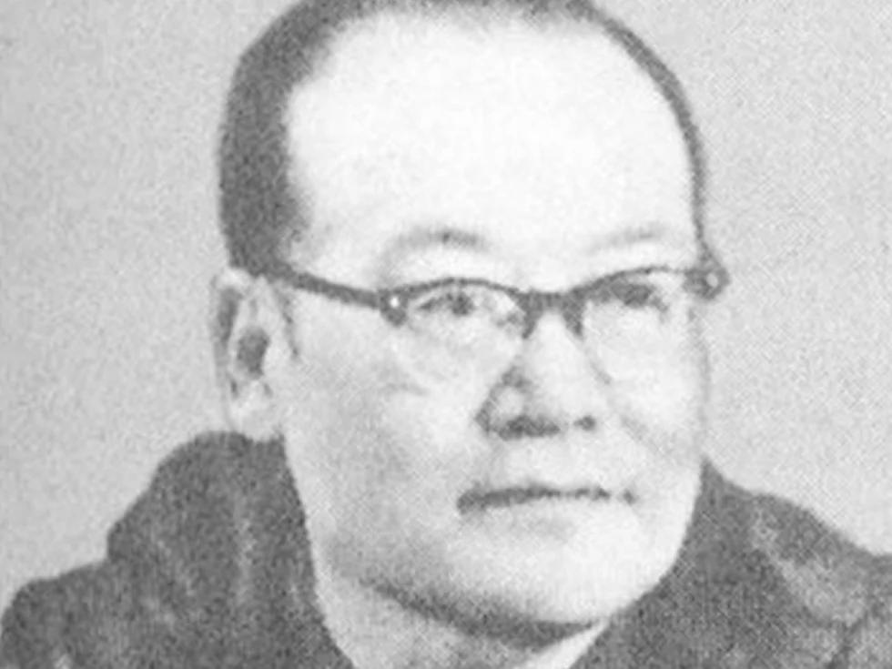 纪登奎未被毛泽东选为接班人原因
