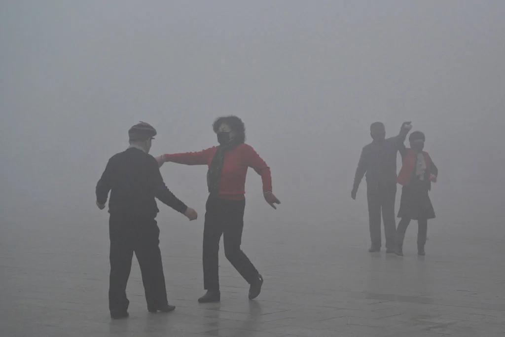 中共雾霾笼罩的冬天 中国人是这样度过的…