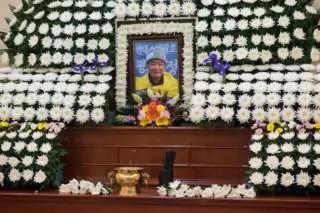 韩国自焚抗议朴槿惠僧人抢救后不治死亡