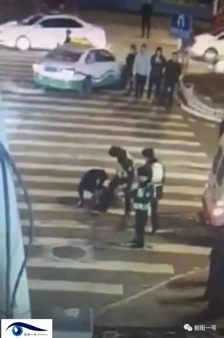 """内蒙古男子酒醉""""袭警""""被击毙 引发舆论争议"""