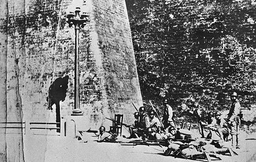 """1931年9月18日,驻中国东北的日本关东军炮击中国东北军的北大营并向沈阳进攻,制造了震惊中外的""""九·一八""""事变。(网络图片)"""