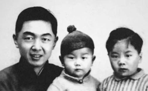 中共党报总编储安平为何歌颂希特勒