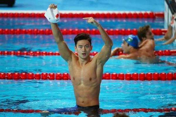 中国人气男泳将宁泽涛 传与国家队交恶转籍新加坡