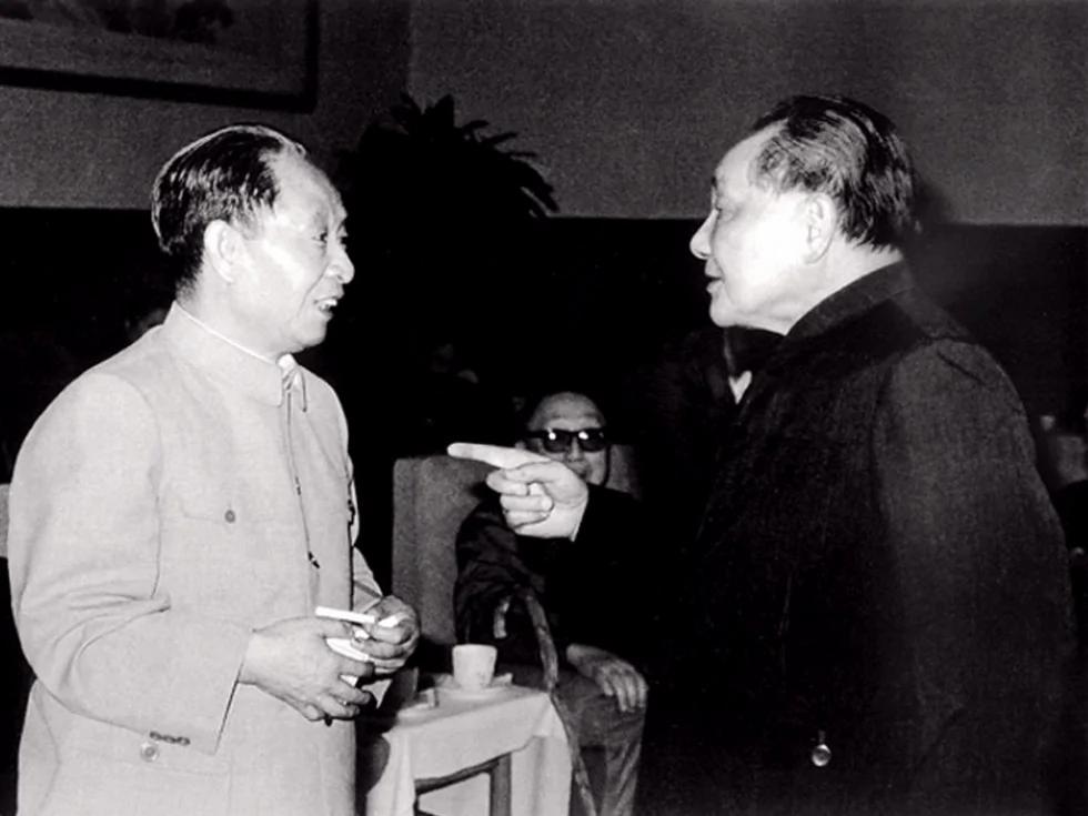 胡耀邦去世前十天自述:与邓小平十大分歧