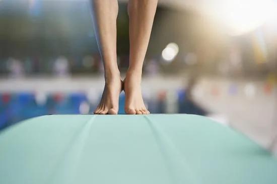 脚部三个特点预示寿命长