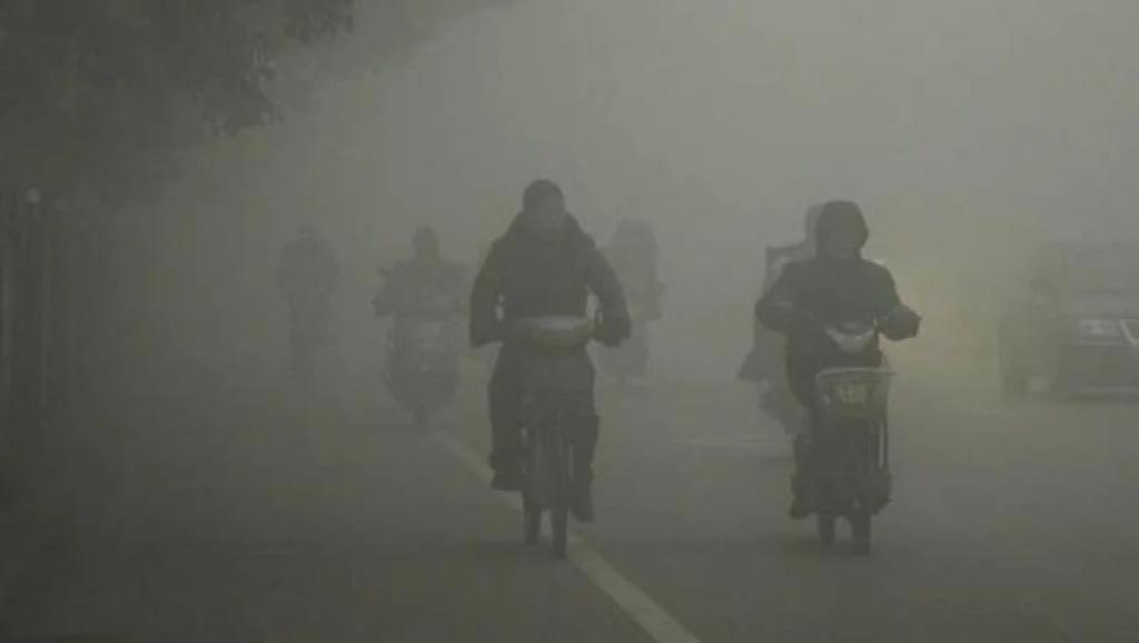 中国北方再有14个城市发布空气污染红色预警